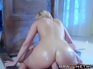 Hot blonde Kate England gets pussy drileld by big dick Danny