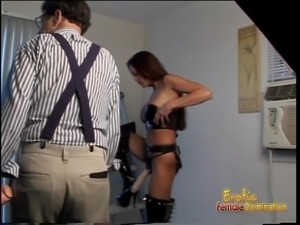 Ravishing raven-haired slut poses for the cameras wearing a