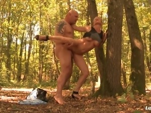 Outdoor sixty nine and anal with a short-haired blonde babe