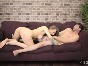 Provocative blonde with perky boobs Natasha Starr needs to be pleased