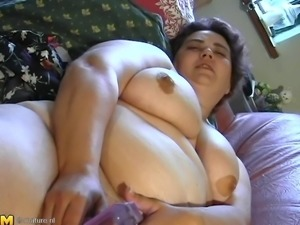 Curvy mature bbw displaying her juicy pussy seductively