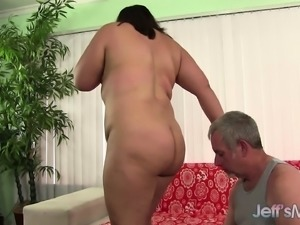 Chubby brunette with a wonderful booty Gia wildly fucks a hard stick
