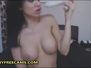 Stunning Babe Loves Pussy And Gaping Anal Toying