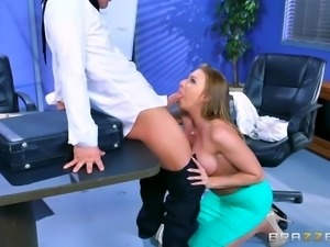 Brazzers - Juelz Ventura - Big Tits at Work