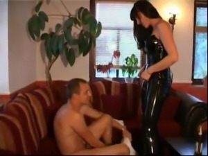 Traumhafte Nutte Im Latex Outfit