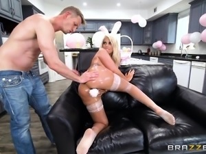 sexy spanish bunny loves getting rimmed
