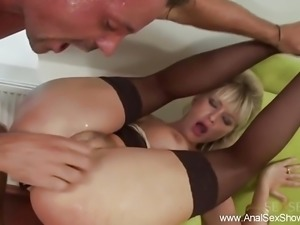 Blonde MILF Loves Anal Sex