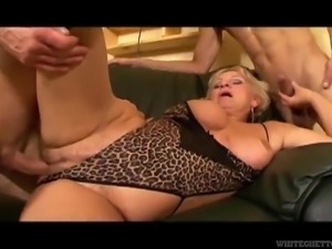 Mature chick finally has a chance to experience the double penetration