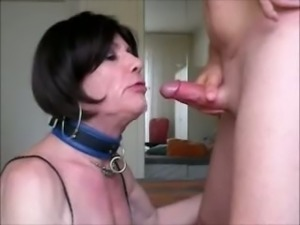 Sucking and swallowing cumshots