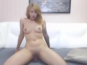 Amateur Sex Videos LaLaCams.com Skinny Cutie Plays Ep1